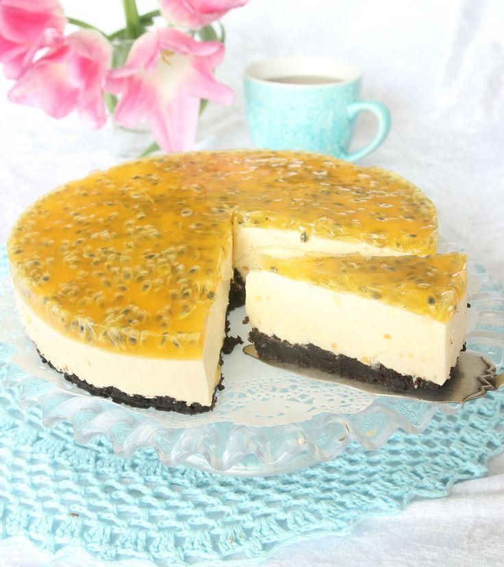 Ljuvligt god moussetårta med passionsfrukt.