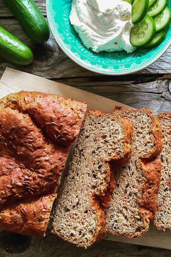 Einfaches und sehr schnelles Rezept für Low Carb Brot für Sandwiches (Eiweißbrot) | http://www.backenmachtgluecklich.de