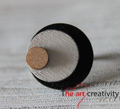Anello in legno a cerchio #anello #legno #cerchio #lotrovisuMissHobby #bianco #nero #handmade