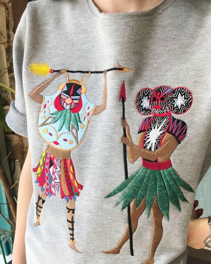 Sweatshirt from Katya Dobryakova SS18 collection. #sweatshirt #africa #katyadobryakova #lookbook #ss18 #summer #spring #катядобрякова #лето #весна #новаяколлекция #африка #ornament #орнамент #embroidery #shamans #details