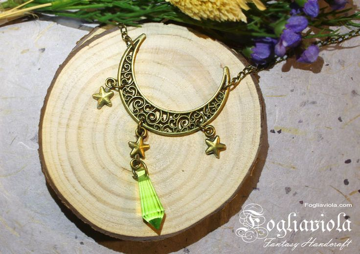 Half #Moon #Necklace    #pagan #witch #luna #wicca #star #stella #green #verde #bronze #bronzo #ancient #vintage #oldstyle #collana #pendente #fogliaviolastyle #crystal #cristallo #strega #witchythings #whitchystuff