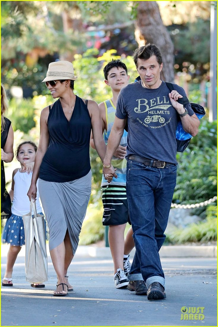 Halle Berry & Olivier Martinez: Legoland with Nahla! | halle berry olivier martinez legoland with nahla 22 - Photo