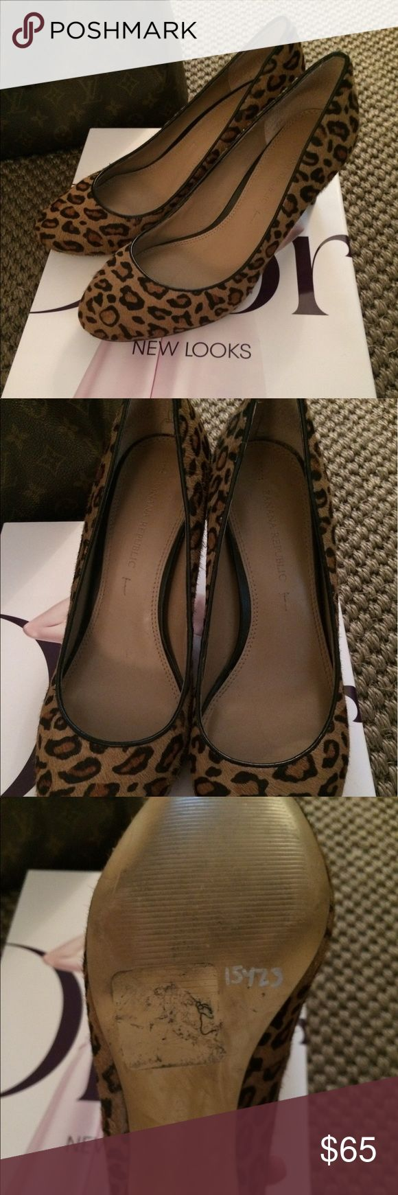 """Banana Republic Leopard Calf Hair Pumps 7.5M! Gorgeous Banana Republic Leopard Calf Hair Pumps Size 7.5M! NO Damage, Some Visible Wear on Soles But Plenty of Life Left! Luxurious Brown Leopard Print with Black Trim, Almond Toe, Leather Footbed, Slim Heel Approximately 2 3/4"""" Banana Republic Shoes Heels"""