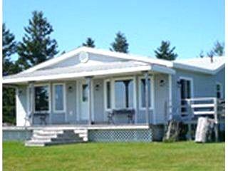 Monigan's Shorefront Retreat