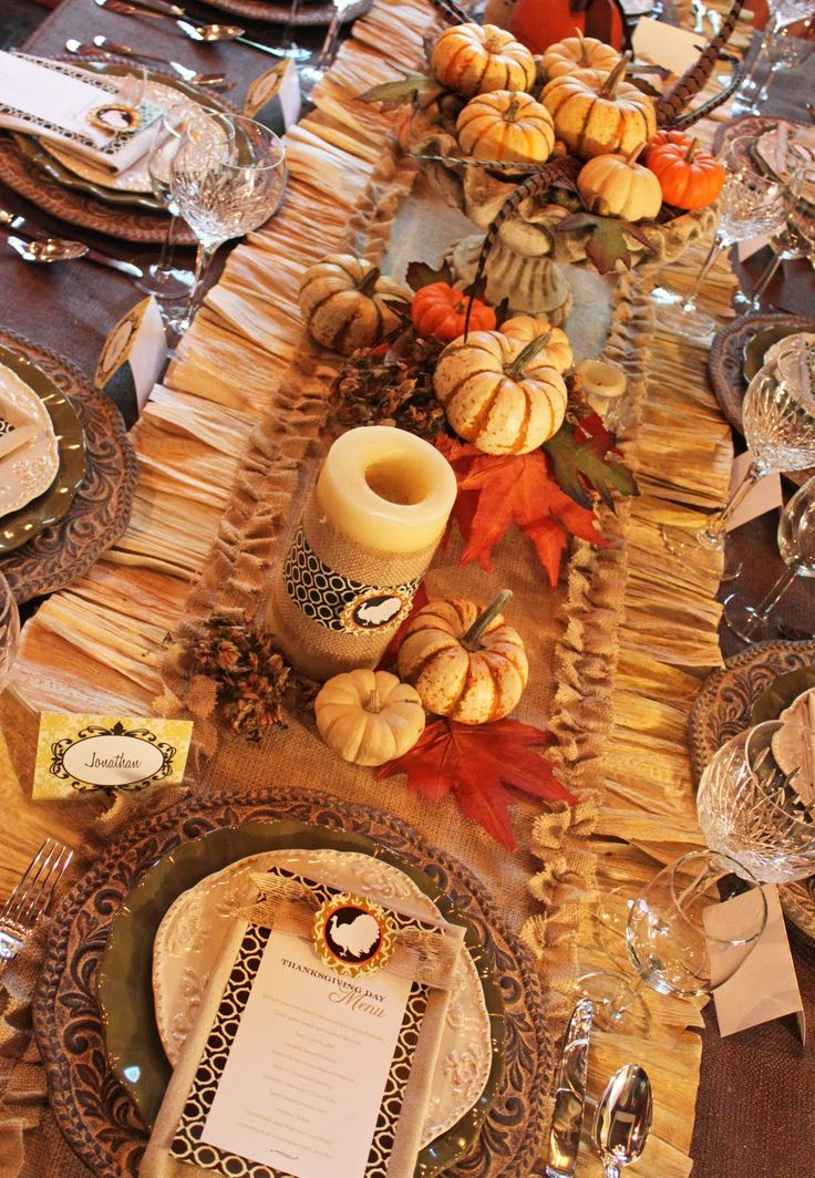 If youu0027re looking to add a beautiful and festive touch to your Thanksgiving table this year try the Burlap and Corn Husk Table Runner. & 80 best Holidays: Thanksgiving table images on Pinterest ...