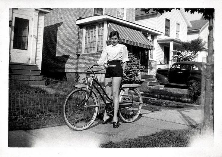 Bike Style // Vintage Cyclists — Delightfully Tacky