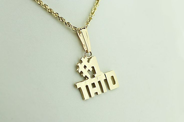 14kt gold Ukrainian #1 father pendant in block lettering.