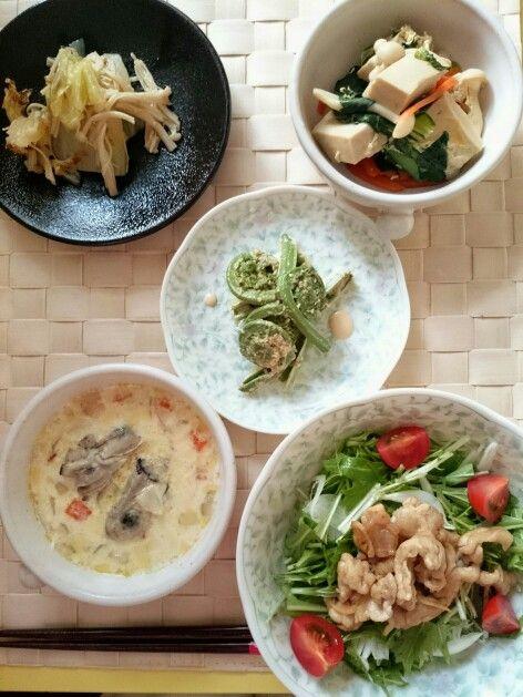 ☆生姜焼きのサラダ☆牡蠣チャウダー☆こごみの胡麻マヨ和え☆高野豆腐と野菜の玉子とじ☆白菜とえのきの柚子胡椒おひたし
