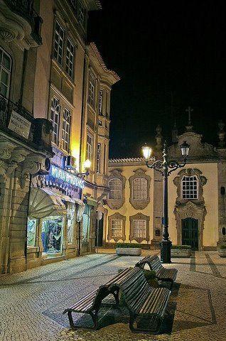 Rua da Paz, Viseu, by night #PORTUGAL