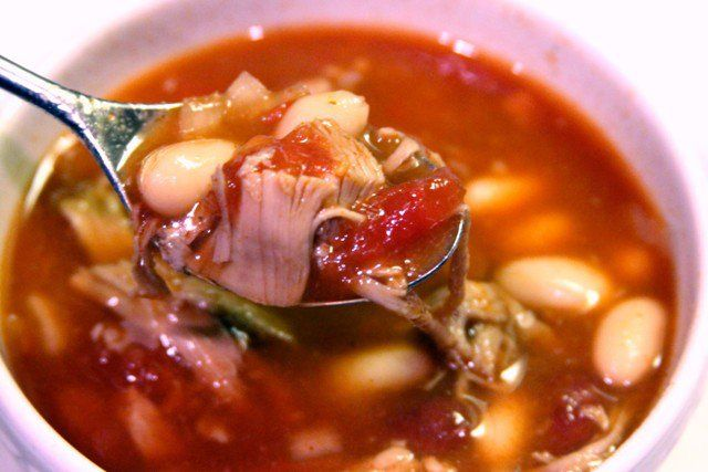 Leftover Turkey Chili in a Crockpot via @drdan101cft