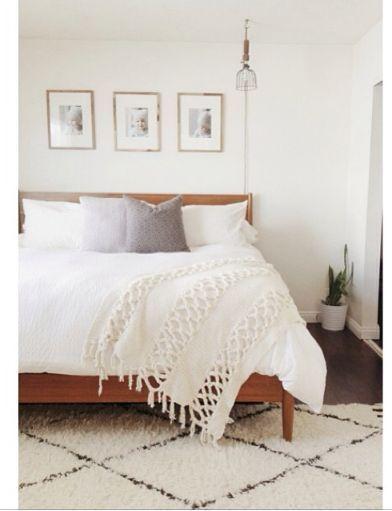 stylish minimal white bedrooms | hollycasto.com