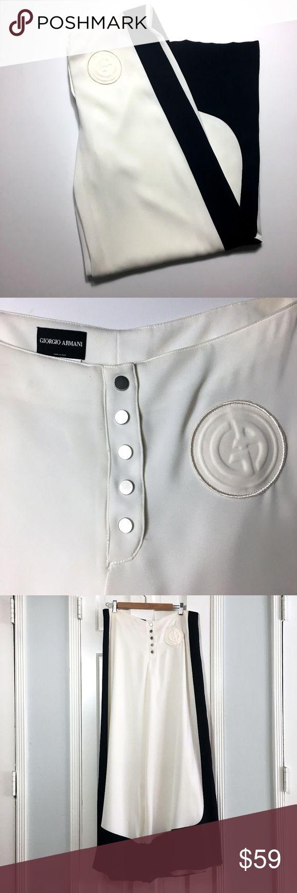 Giorgio Armani White & Blue Wide Leg Pant sz 10 Giorgio Armani White & Blue Wide Leg Pant sz 10 Made in: Italy Size: IT46 - US10 Fit: Wide Leg Waist: 34 Inseam: 33 Material: Polyester Elastic Color: White With Navy Blue Trim Condition: Like New #coxycloset #GiorgioArmani #Armanicollection #MadeInItaly #Fashion #Chic #Womenswear #Business Casual #Formal #PlusSize #pants #widepants #wideleg #oversized Giorgio Armani Pants Wide Leg