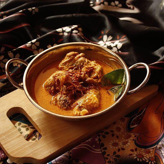 Gulai Ayam Padang. Chicken Curry