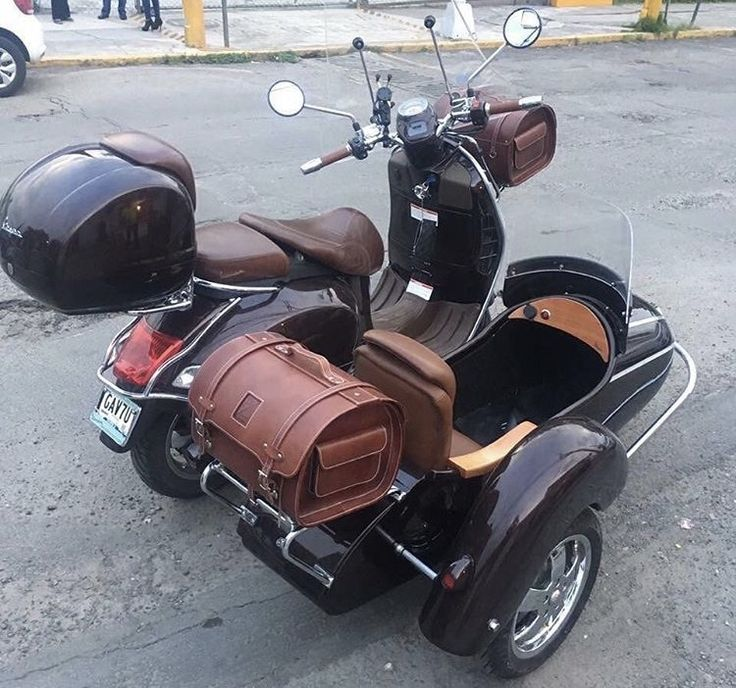 vespa gts 300 w sidecar what 39 s in my dream garage vespa. Black Bedroom Furniture Sets. Home Design Ideas