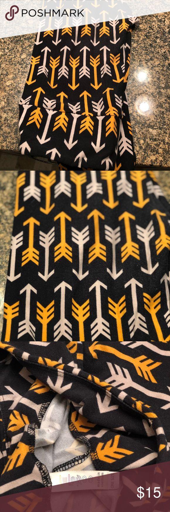 Lularoe leggngs. Arrows!! VGUC Size OS Lularoe leggings. Size OS. VGUC LuLaRoe Pants Leggings