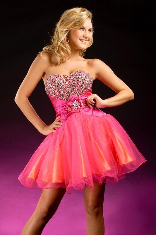 Short prom dress. Soooo cute.