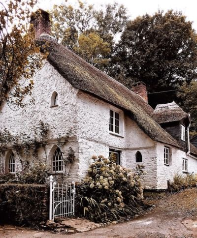 5662 best Cottages Cabins & Farmhouses images on Pinterest