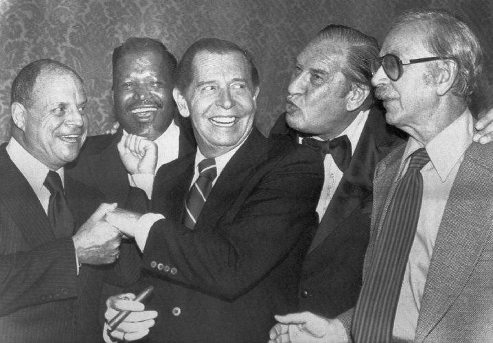 Milton Berle, Jack Albertson, Don Rickles, Sugar Ray Robinson, and Henny Youngman