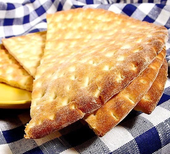 Det här är alla barns favorit. Tunna, mjuka kakor som är lika goda med bara smör eller med något pålägg. Perfekt att bre utflyktsmackor på. Kakorna går bra att frysa in.