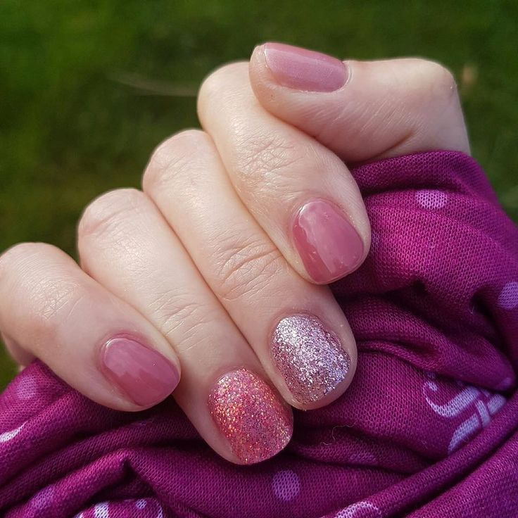 1000+ Ideas About Sparkle Gel Nails On Pinterest