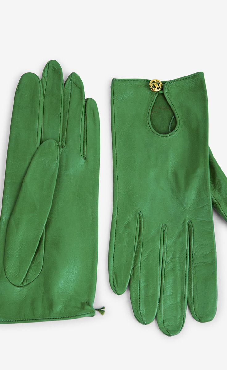 Chanel Green Gloves: Green Chanel, Green Gloves Drool, Gloves Leather, Green Leather Gloves, Chanel Green, Classy Winter Gloves, Beautiful Gloves, Gloves Lov, Green Gloves Pm