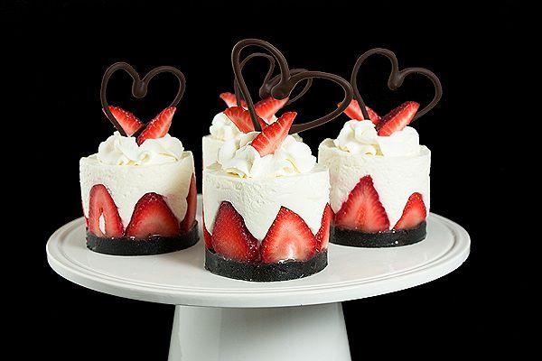 Italian dessert goodness (aka yogurt mousse cake with strawberries)