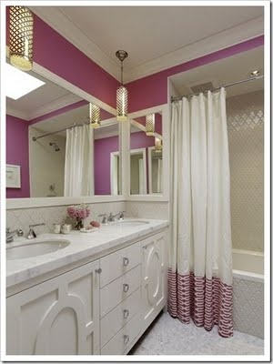 Pink and white bathroom, love.