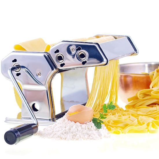 How to Use a Pasta Machine to Make Fresh Pastas - Real Food - MOTHER EARTH NEWS