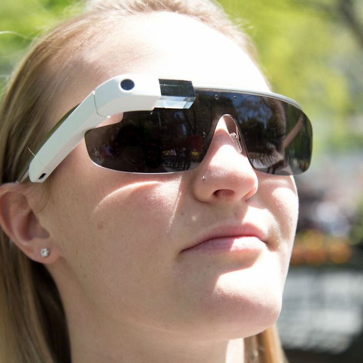New Patent Hints at 'Pay-Per-Gaze' Advertising for Google Glass http://mashable.com/2013/08/15/google-glass-pay-per-gaze/