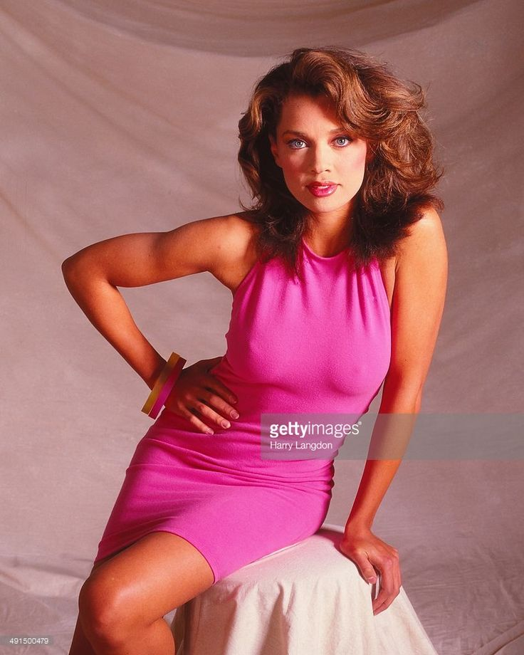 Actress and singer Vanessa Williams poses for a portrait session in 1986 in Los Angeles, California.