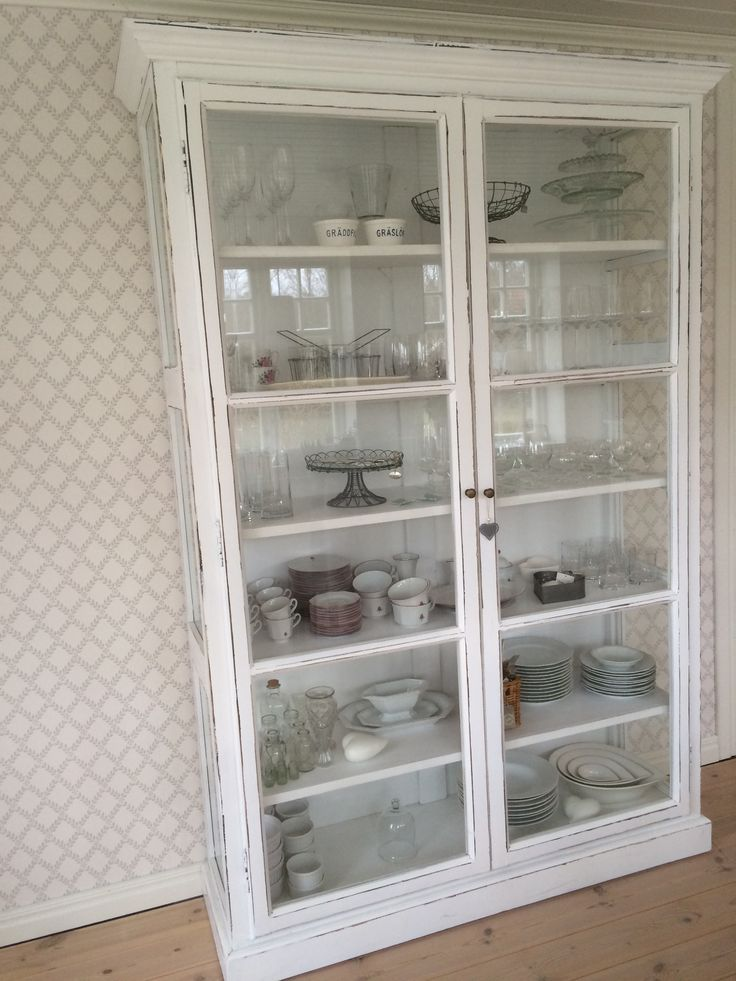 Nordal Countryside Cabinet