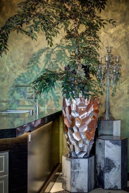 DK Home Brownlip vase van Cravt