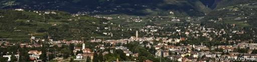 Die bekannte Passertstadt Meran im Meranerland / Südtirol