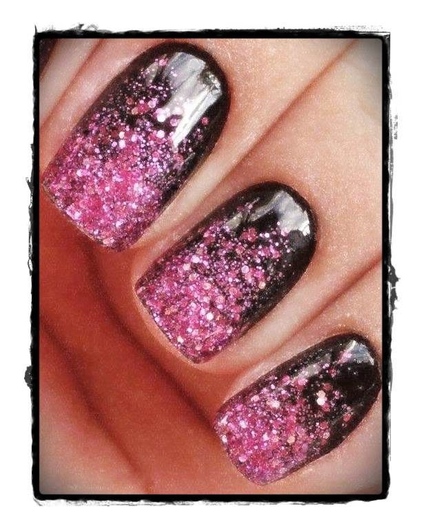 für diesen schönen effekt brauchst du: pink glitter und schwarzen nagellack und …   – Nageldesign