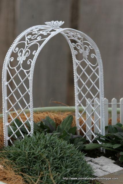 fairy garden trellises 25 best miniature trellis images on Pinterest | Dollhouses