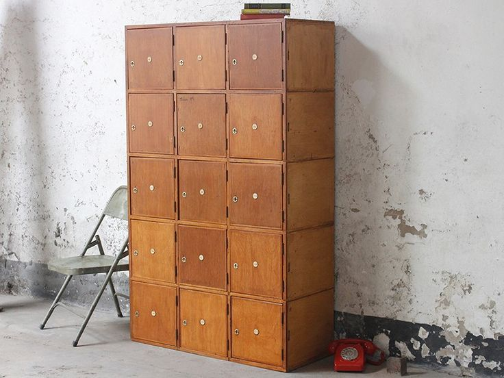 An irregular wash of colour adds great visual interest to this oversized storage unit
