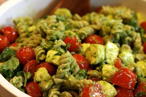 Pesto Pasta Salad - Yum! I also made the homemade pesto and it was ...