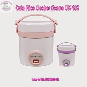 OX-182 CUTE Rice Cooker Oxone 0.3 Lt  • Kapasitas 0.3 Lt • Cocok untuk keluarga • Terdapat baki pengukus • Pemasak nasi serbaguna • Mudah di bawa kemana-mana • 230 Watt  Oxone Cute Rice Cooker dengan desain multifungsi, berkapasitas 0,3 liter cocok untuk keluarga anda yang juga terdapat baki pembungkus mudah dibawa kemana saja. Oxone Cute Rice Cooker ini hadir dalam 2 varian warna yaitu pink dan purple.  Dimensi :(20x28x20)cm Berat : 3 Kg  Harga Rp 350.000