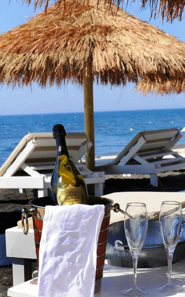 Enjoynig Vacations in Greece  TRAVEL JOURNEYS <3 www.travel-journeys.com