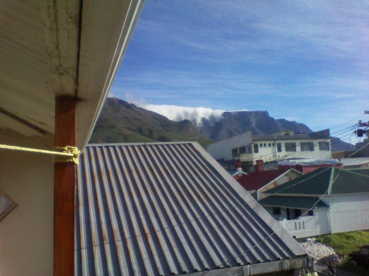 Blanket of clouds over Table Mountain 2 - 19.04.2014