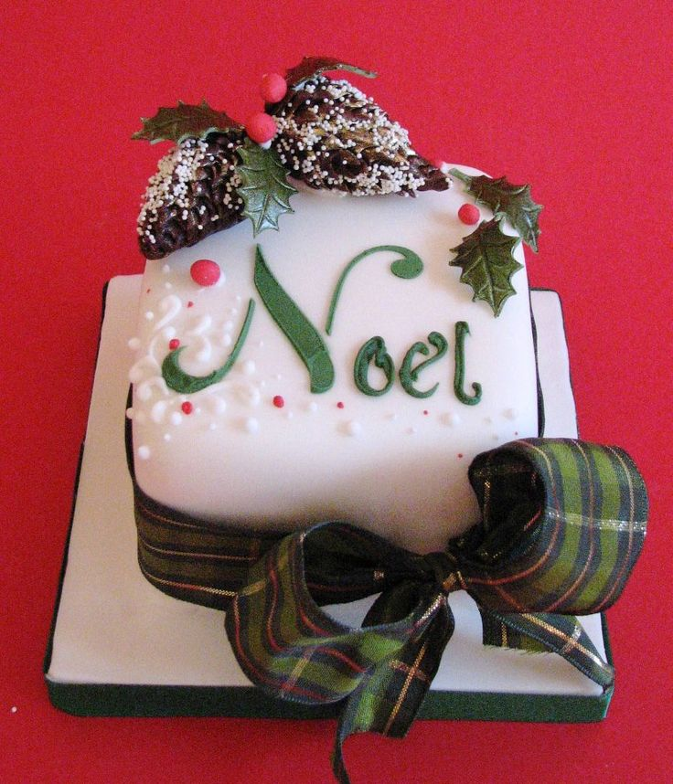 Cake Art By Suzanne : 481 best images about Christmas on Pinterest Santa cake ...