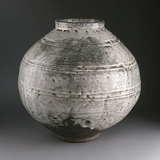 (Korea) Ceramic Moon Jar. modern Korea. Korean Art , Porcelain, Antiques : More At FOSTERGINGER @ Pinterest