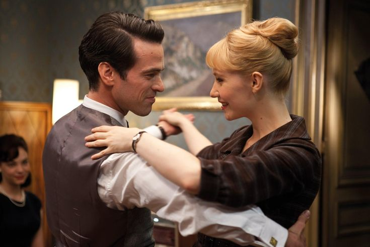 Romain Duris and Déborah François as Louis Echard and Rose Pamphyle in Populaire (2012). Amazing film -- I'm buying this on DVD.