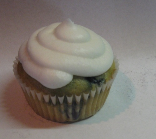 Blueberry cupcakes, Cream cheese icing and Gluten free on Pinterest