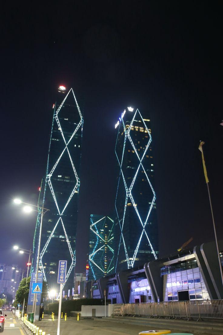 Удачное архитектурное освещение отеля Wongtee V
