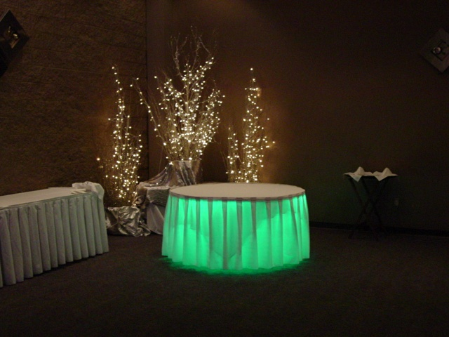 Exceptionnel Beautiful Tables With Lights Underneath 3 77 Best Raver Wedding Images On  Pinterest Ideas