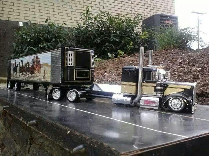 custom Peterbilt model truck