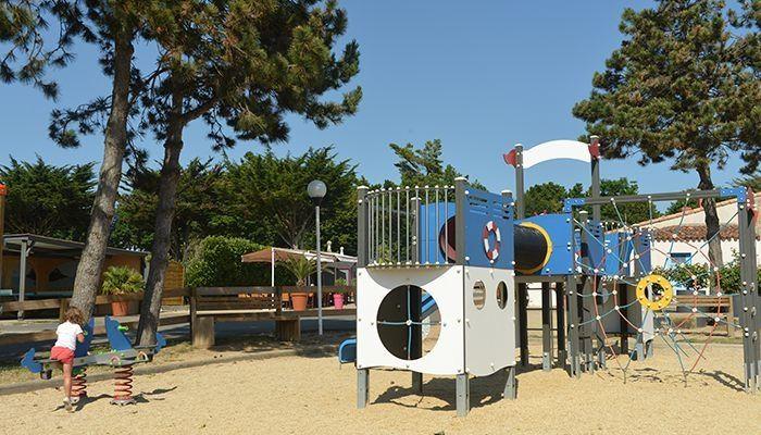 aire jeux camping Sunêlia La Loubine **** Vendée