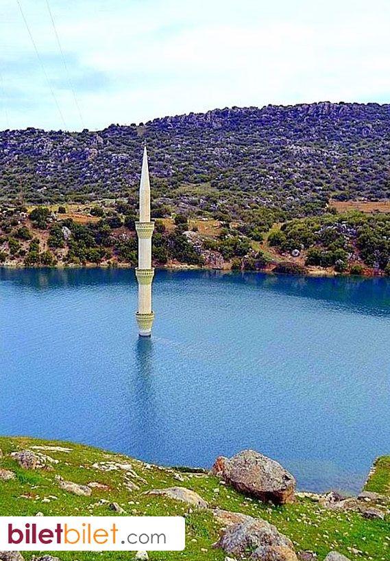 Bafra'da görenleri şaşkına çeviren batık minare. Samsun, Türkiye http://www.biletbilet.com/etiket/5/otobus-bileti