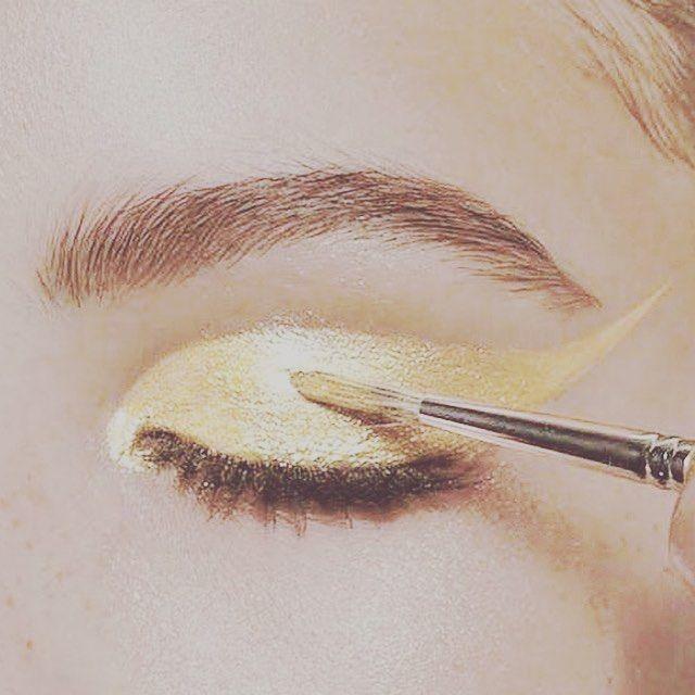 Golden eyes ⚡️